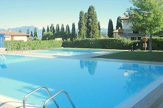 Schöne Residenz mit Swimmingpool in der Nähe ...