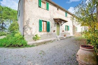 Casa Vacanze Relax a Chianni, dotata di Giard...