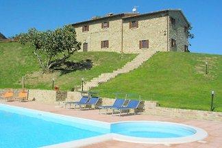 Atemberaubende Villa in Apecchio mit...