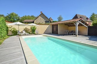 Luxuriöse Villa mit Pool bei...