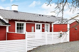 Pleasant Holiday Home in Jutland with Swimmin...
