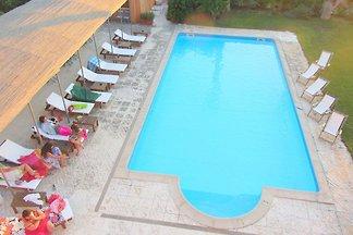 Boutique-Ferienwohnung mit Swimmingpool in Ga...