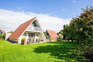Modernes Ferienhaus in Friesland am See