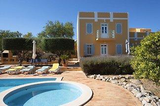 Lebhaftes Landhaus in Loulé, Algarve mit...
