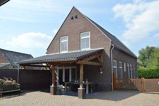 Luxuswohnung in Posterholt mit Terrasse