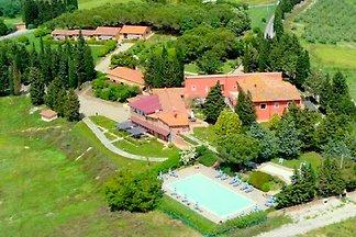 Geräumiges Ferienhaus in Montaione mit Garten