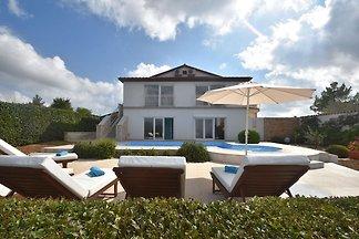 Schöne Villa in Kanfanar mit Whirlpool und...