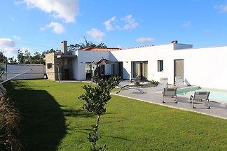 Charmante Villa in Salir de Matos mit...