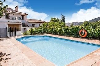 Uriges Cottage in Laroya mit Pool und Terrass...