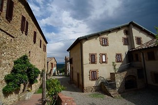 Lovely Farmhouse in Monticiano  with Garden