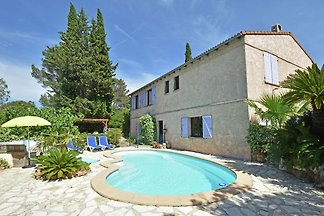 Ruhige Villa nahe Strand von Fréjus mit priva...
