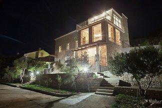 Charmante Villa in Vela Luka am Strand