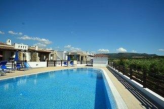 Villa couverte à Alghero avec piscine