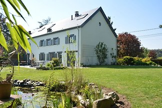 Geräumiges Ferienhaus in Rochefort mit...
