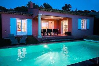 Freistehende Villa mit Pool, Meer in nur 1 km...