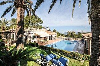 Luxuriöse Villa in Alcúdia mit Swimmingpool