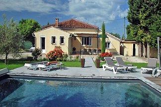 Geräumiges Ferienhaus in der Provence mit pri...