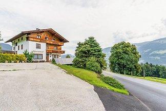Wohnung mit Balkon und Talblick in Hochhalt