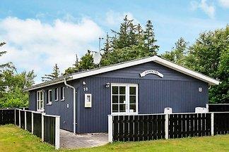 Geräumiges Ferienhaus in Thyholm mit Terrasse