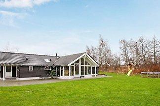 Luxuriöses Ferienhaus in Idestrup mit Sauna