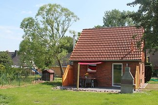 Schönes Ferienhaus in Zierow mit Terrasse
