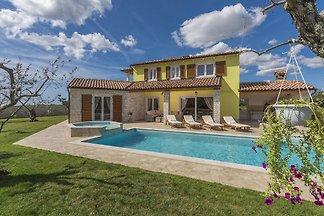 Villa Gardenia mit Pool, Whirlpool und privat...