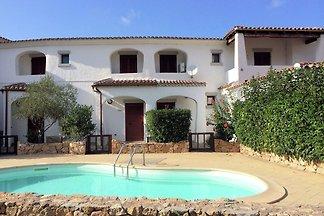 Moderne Ferienwohnung mit Pool in Loiri,...