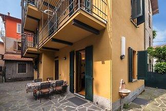 Modernes Appartement in Meina Italien nahe de...