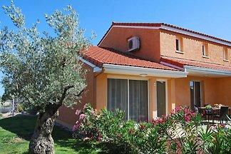 Buntes Ferienhaus mit mediterranem Stil