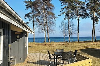 Luxuriöses Ferienhaus in Nexo mit Sauna