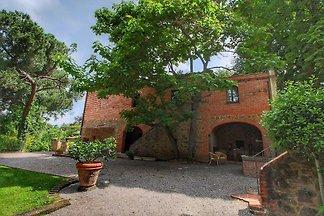 Gemütliche Villa in Sinalunga mit Terrasse