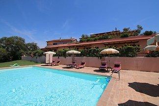 Moderner Bauernhof mit Pool in Montalto di...