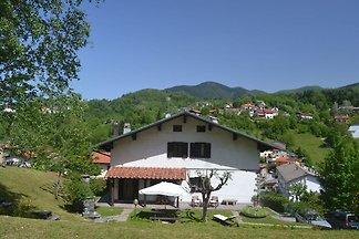 Casa rustica di montagna con vista su bel...