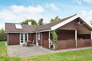 Modernes Ferienhaus in Slagelse mit Terrasse