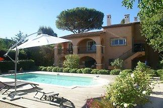 Charmante Villa in Saint-Tropez (Frankreich)