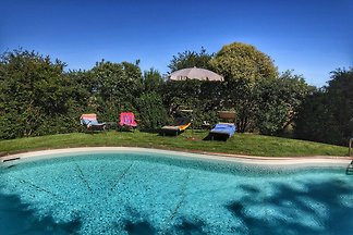 Tranquilla villa con piscina a Chianacce