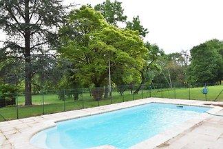 Vakantiehuis langs riviertje met privé zwemba...