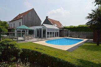 Komfortable Villa in Zottegem mit Sauna