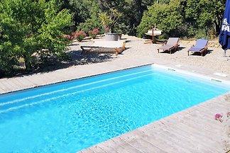 Increible casa de campo en Faucon con piscina
