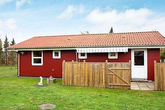 Ruhiges Ferienhaus in Jütland mit Terrasse