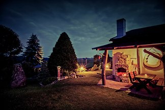 Geräumiges Ferienhaus in Kamenice nad Lipou n...