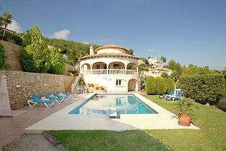 Villa mit privatem Pool und fantastischem Bli...