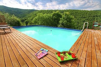 Luxuriöser Bauernhof in Cortona mit Pool