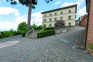 Graceful Apartment in San Miniato with Swimmi...