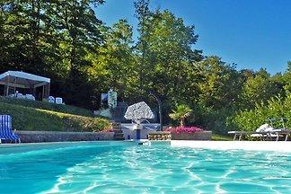 Sontuosa villa con vasca idromassaggio e pisc...