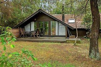 Gemütliches Ferienhaus in Væggerløse am Meer