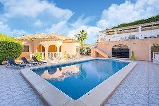 Schöne Villa in Ciudad Quesada mit Pool