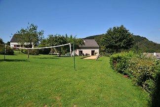 Modernes Ferienhaus in Hotton mit Garten