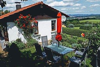 Lebendiges Ferienhaus am eigenen Garten in...