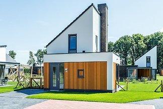Moderne Villa mit einem Themenzimmer für Kind...